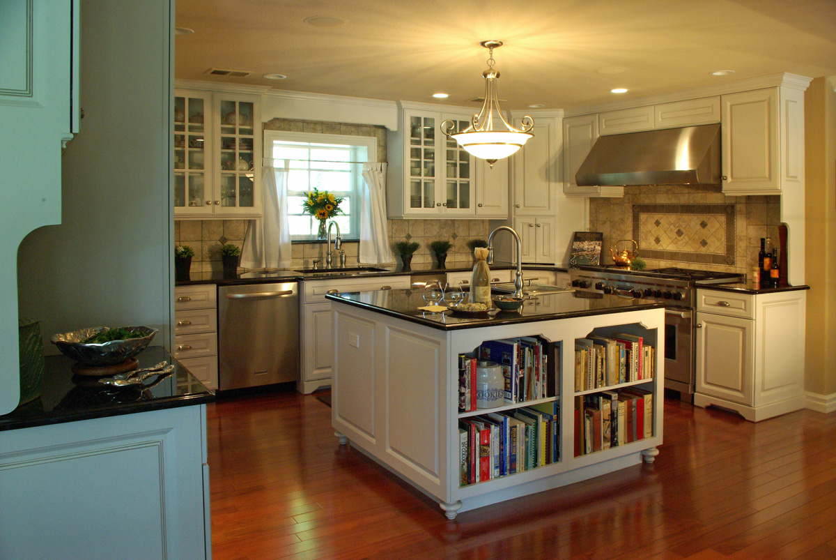 Jm kitchen and bath custom kitchen and bath design denver for Rustic white kitchen cabinets
