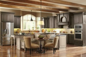 Shaker Kitchen using Dynasty Custom Cabinets