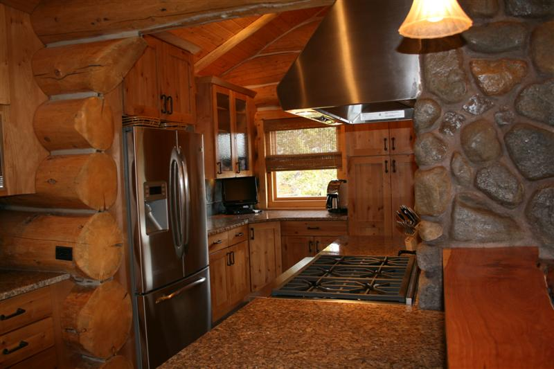 Log kitchen cabin for Log home kitchen designs