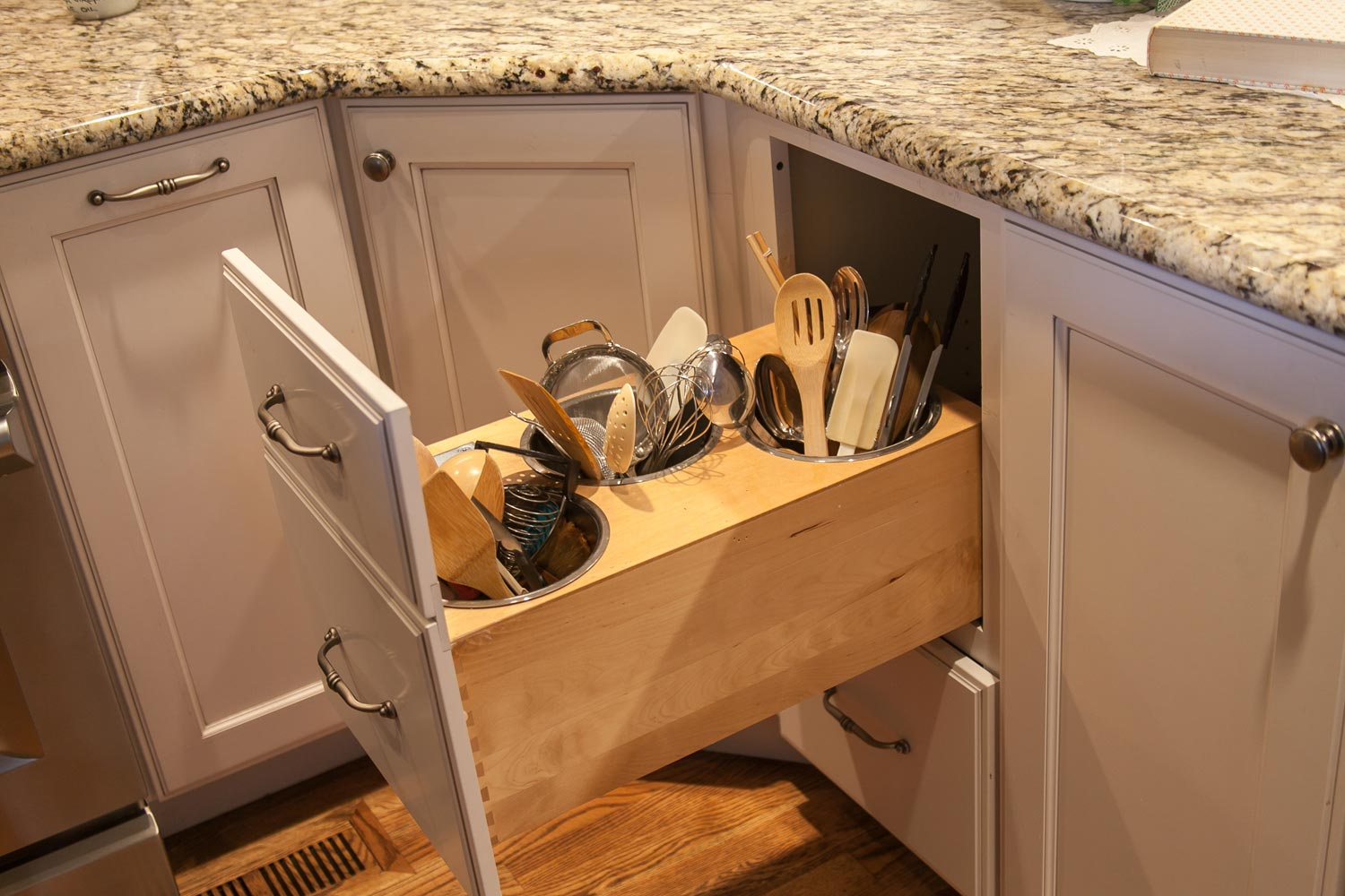 cool cubby for cooking utensils out of the way