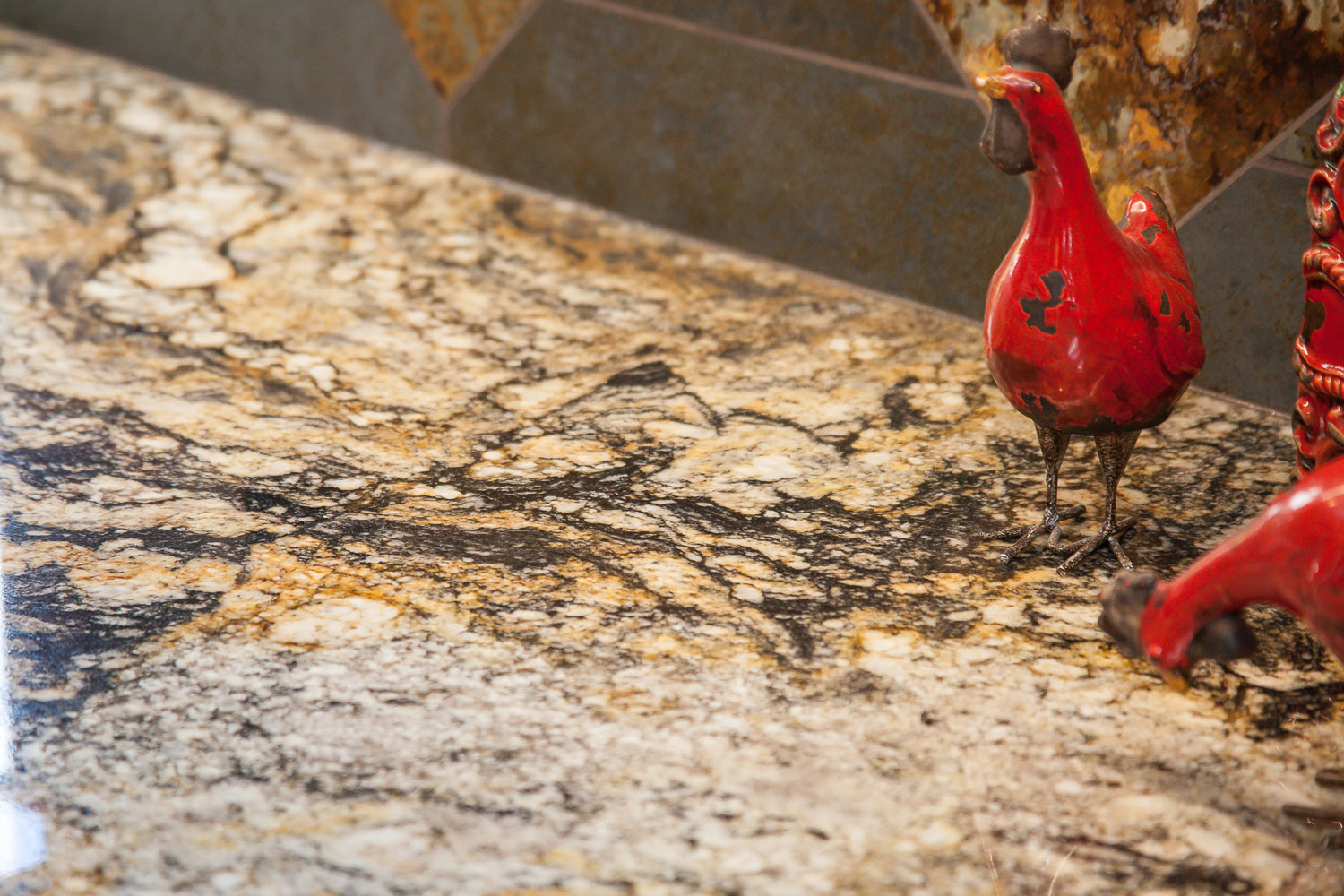 Granite 3CM Supreme Gold, with Ogee Flat edge