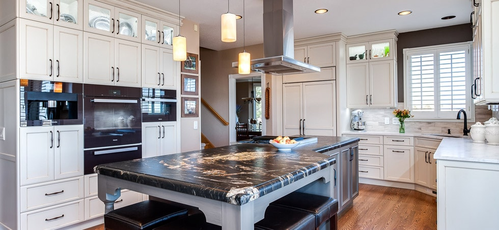 Traditional painted cabinet kitchen with large center island