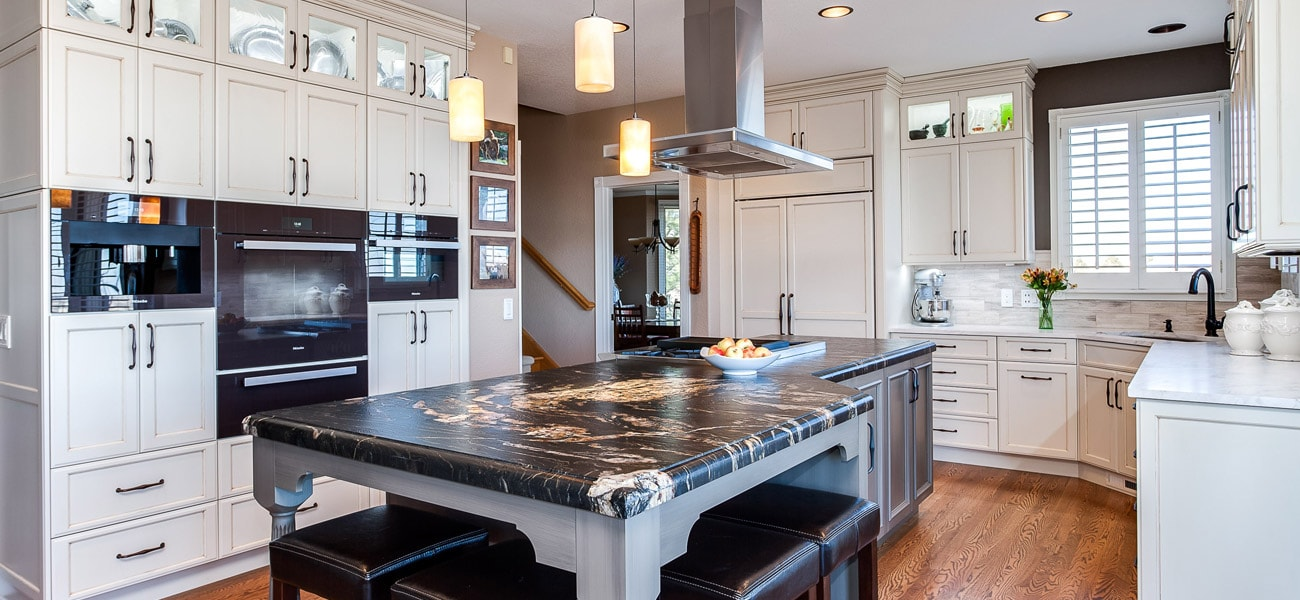 Traditional kitchen with large center island