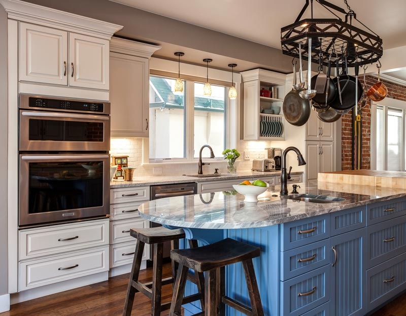 Beautiful farm style kitchen in blue and white.