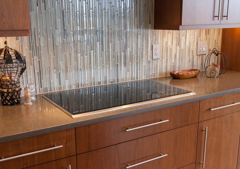 gorgeous waterfall glass tile backsplash